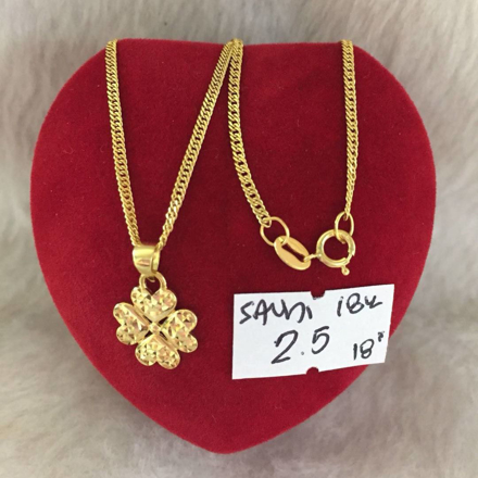18K - Saudi Gold Jewelry, Necklace w/.. Pendant (4Heart  Shape) 18K - 2.5g의 그림