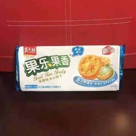 图片 Jiashili Sandwich Biscuits (Hami Melon) 205g,1 pack, 1*26 pack | 嘉士利果乐果香果酱夹心饼干(哈密瓜)205g,1包,1*26包